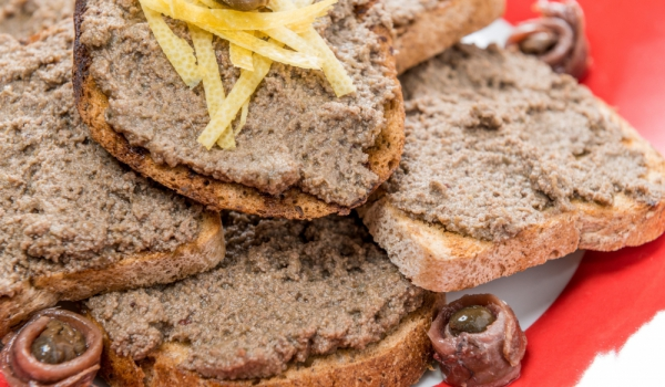Рибарска закуска с отлежал хляб