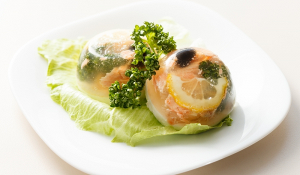 Желирана бяла риба с маслини