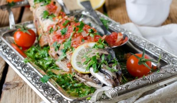 Риба с магданоз на фурна