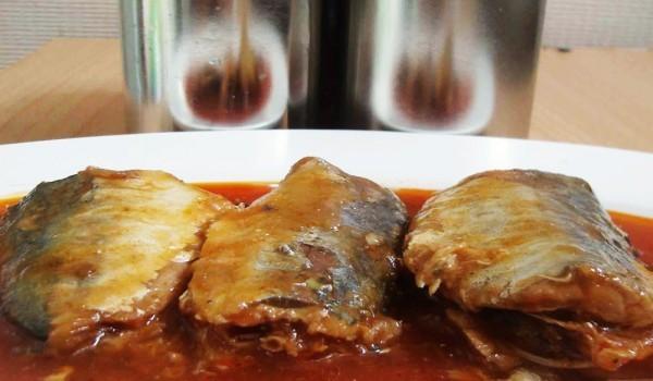 Скумрия с ароматен сос