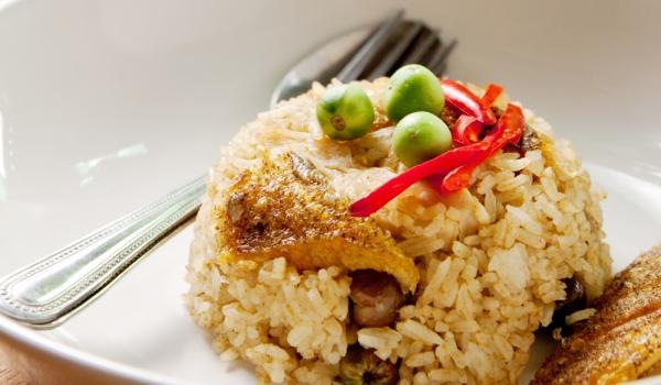Скумрия с праз, ориз и маслини