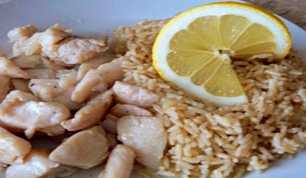 Пангасиус с лимон и орехи