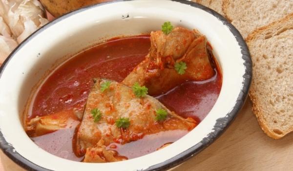 Риба с доматен сос по тетевенски