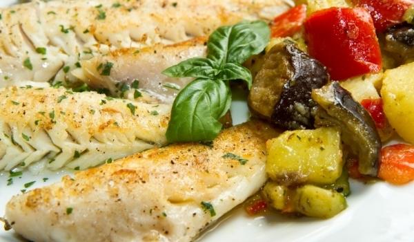 Печено филе от риба с картофи