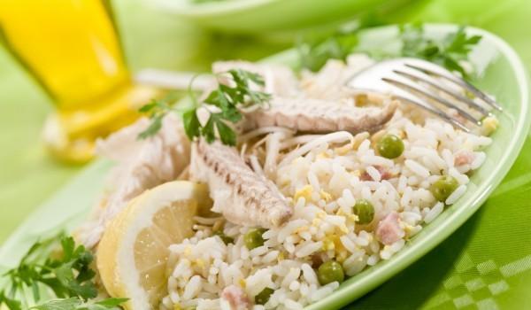 Скумрия с ориз и зеленчуци