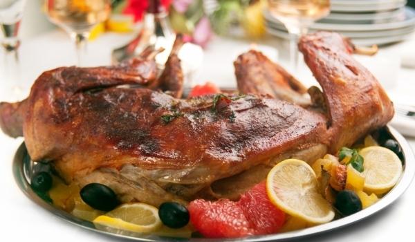 Заек с плънка от гъби и телешко месо