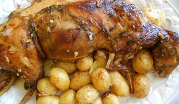 Пълнен заек с картофи