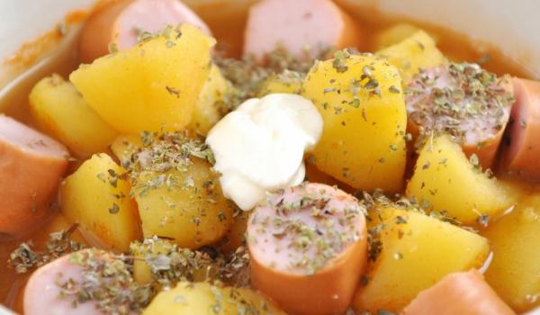 Картофи с кренвирши