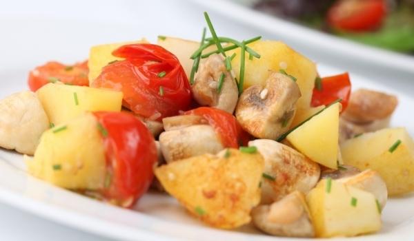 Картофен аламинут с гъби и чушки