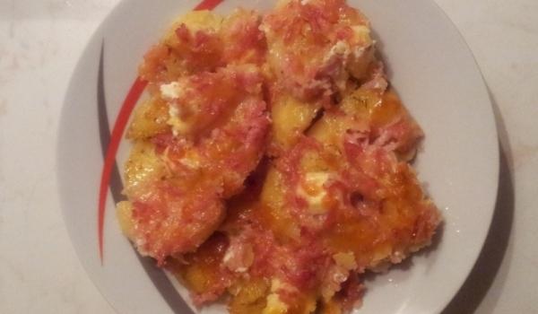 Картофи на фурна с топено сирене и шунка