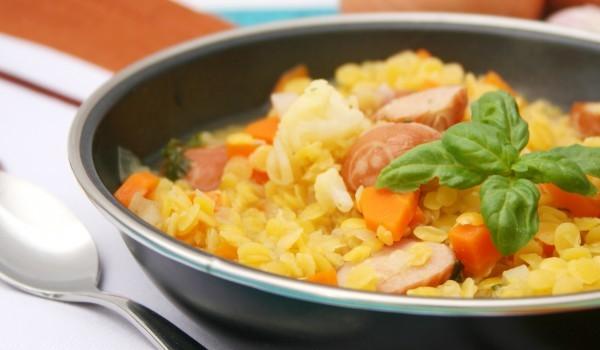 Oриз с картофи и колбас