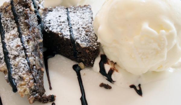 Черен шоколадов фъдж