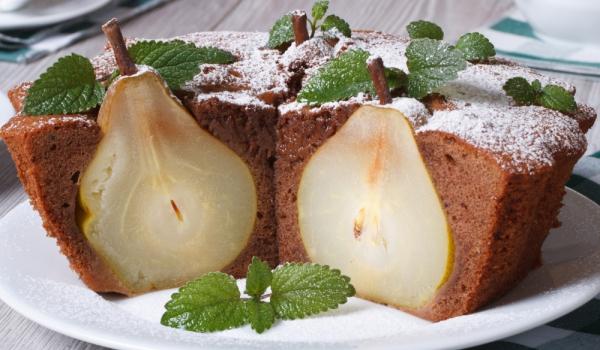 Руски пирог с цели круши