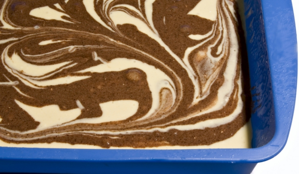 Шоколадов мраморен пирог