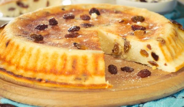 Италиански пай с извара и стафиди