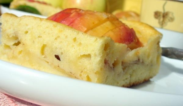 Нежен ябълков сладкиш