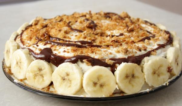 Бананов сладкиш с цедено кисело мляко