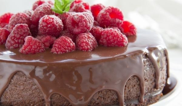 Шоколадов чийзкейк с малини и мед