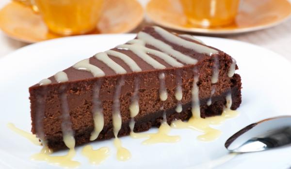 Шоколадов чийзкейк с джинджифилови бисквити
