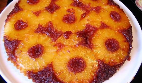 Карамелизиран сладкиш с ананас