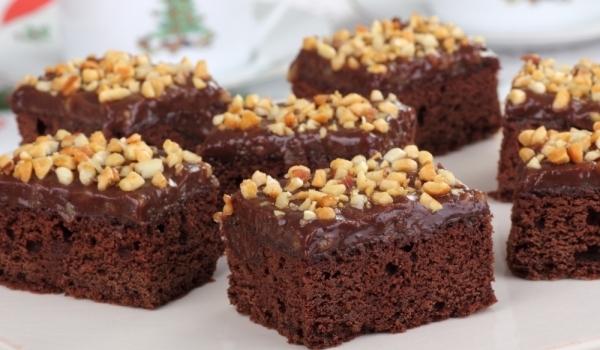 Фъч с течен шоколад и орехи