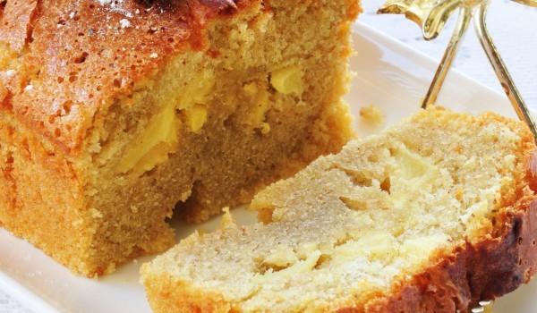 Кекс с мед и ябълки