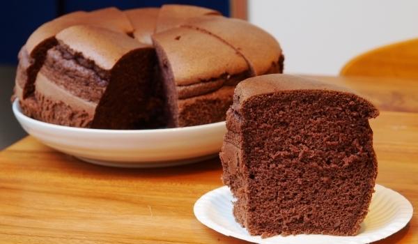 Шоколадов кейк с млечен шоколад