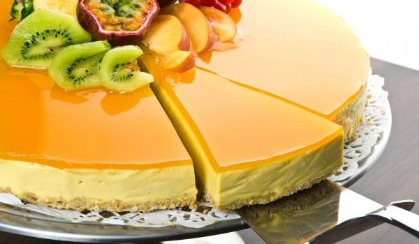 Плодов чийзкейк с желатин