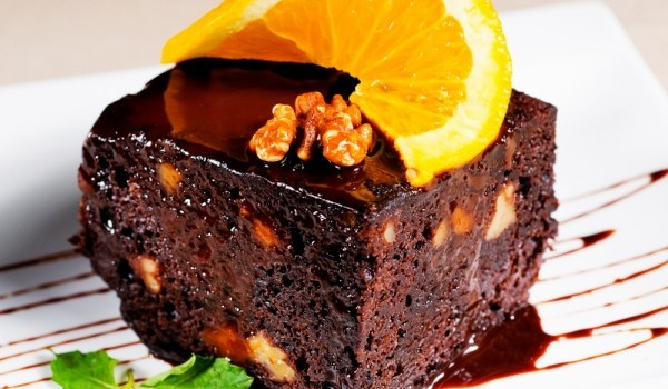 Шоко-сладкиш с орехи и портокал