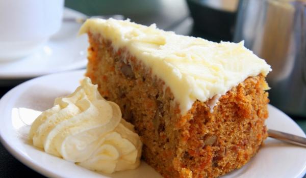 Торта от моркови с портокалова глазура