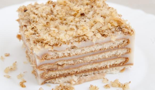 Бисквитена торта с печени блатове