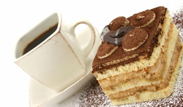 Кафе-торта с малиново сладко