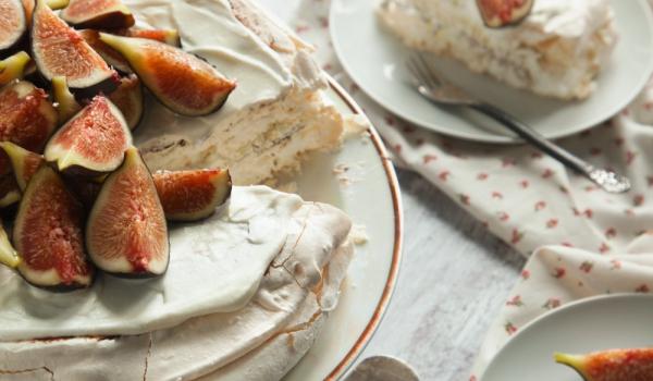 Нежна торта със смокини