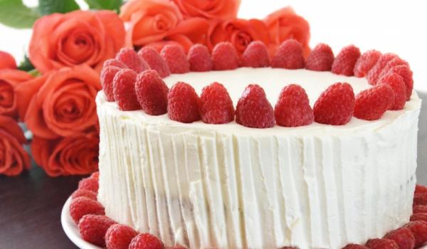 Експресна торта от бял шоколад