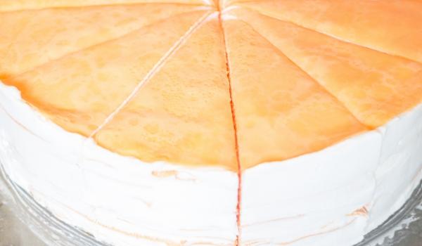 Палачинкова торта с бадеми и извара