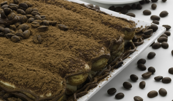 Бишкотена торта с течен шоколад