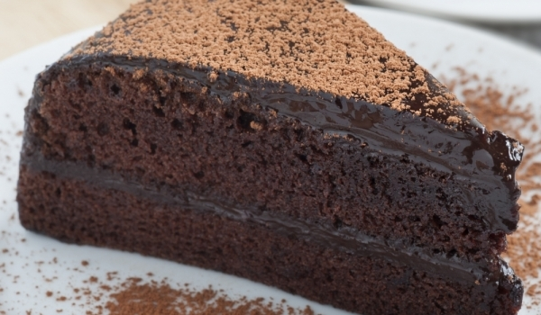 Лесна и бърза шоколадова торта