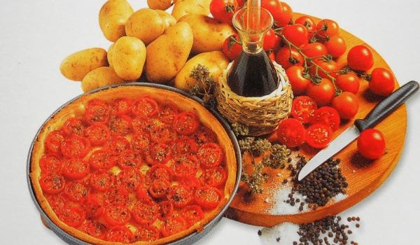 Пица с чери-доматчета и подправки