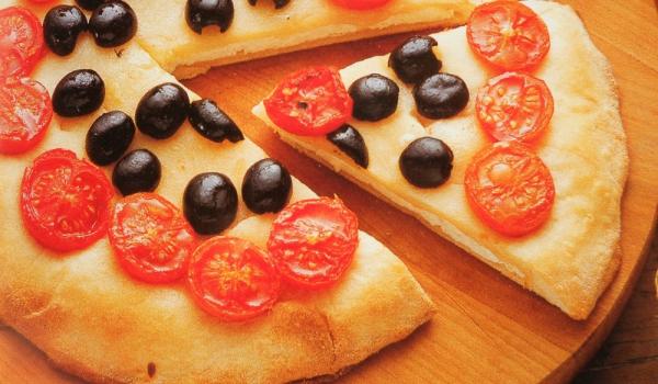 Пица с плънка от козе сирене