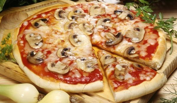 Пица с бъркано тесто