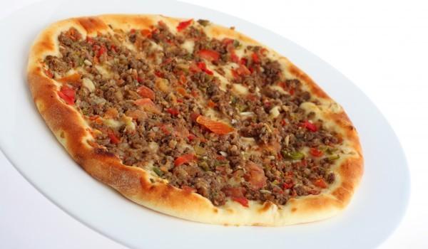 Пица с кайма и чушки