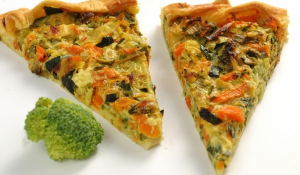Пица с праз лук и моркови