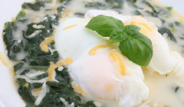Забулени яйца с коприва