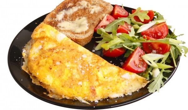 Омлет с яйца и картофено пюре