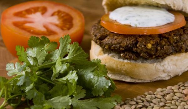 Вегетариански бургери с къри