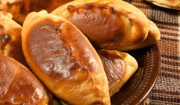 Испански питки с рибена плънка