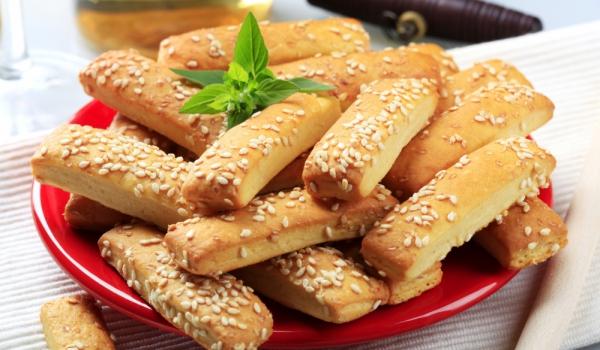 Дребни соленки с крема сирене
