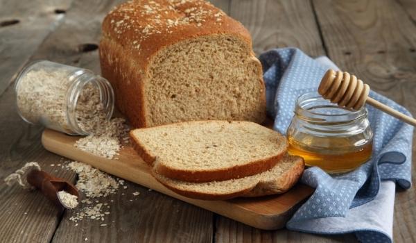 Хляб с мед и ядки
