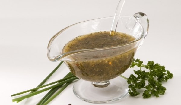 Пикантен дресинг за зелени салати