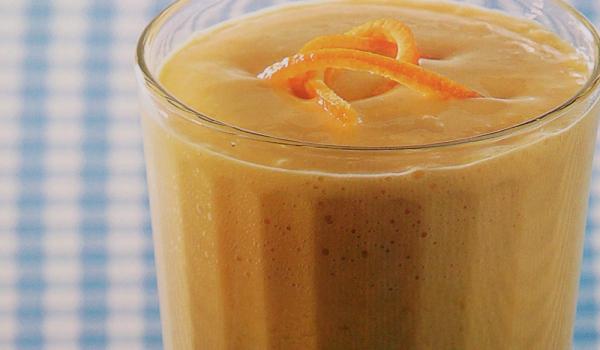 Смути с манго, банан и джинджифил